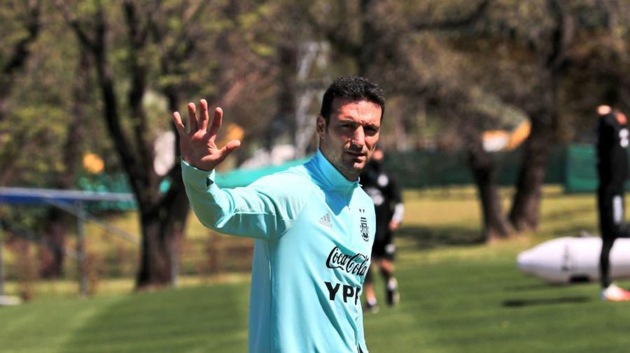 """Lionel Scaloni: por qué ve a la selección de la Argentina como un """"club pequeño"""" y el pedido a Sergio Agüero"""