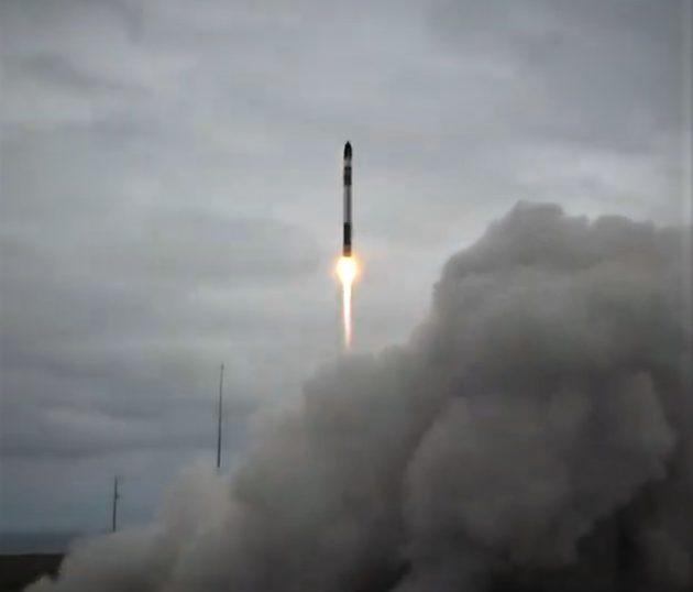 Rocket Lab launches DARPA's R3D2 experimental satellite from New Zealand