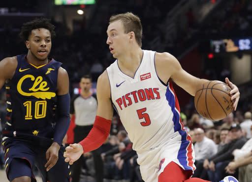Clippers get Kennard from Detroit as part of draft deals