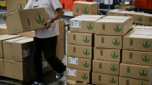 Icahn to Sell a Quarter of His Stake in Herbalife
