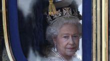 Rainha Elizabeth se pronuncia após fala de Meghan Markle sobre cor do filho