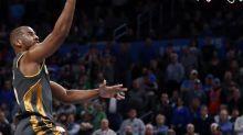 Chris Paul conduce y los Thunder humillan por 105-86 a los Lakers de James