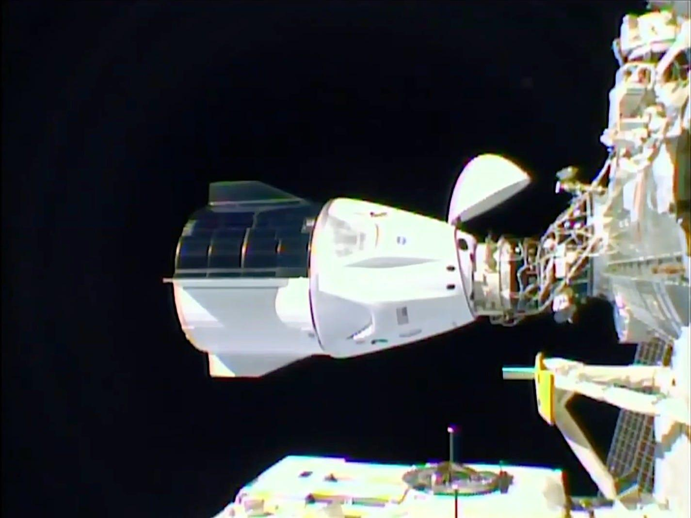 SpaceX's 'Resilience' spaceship autonomously docked to the space station with 4 astronauts inside, kicking off a historic mission for NASA