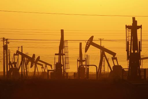 Oil prices tumble after Iraq deal to export more oil