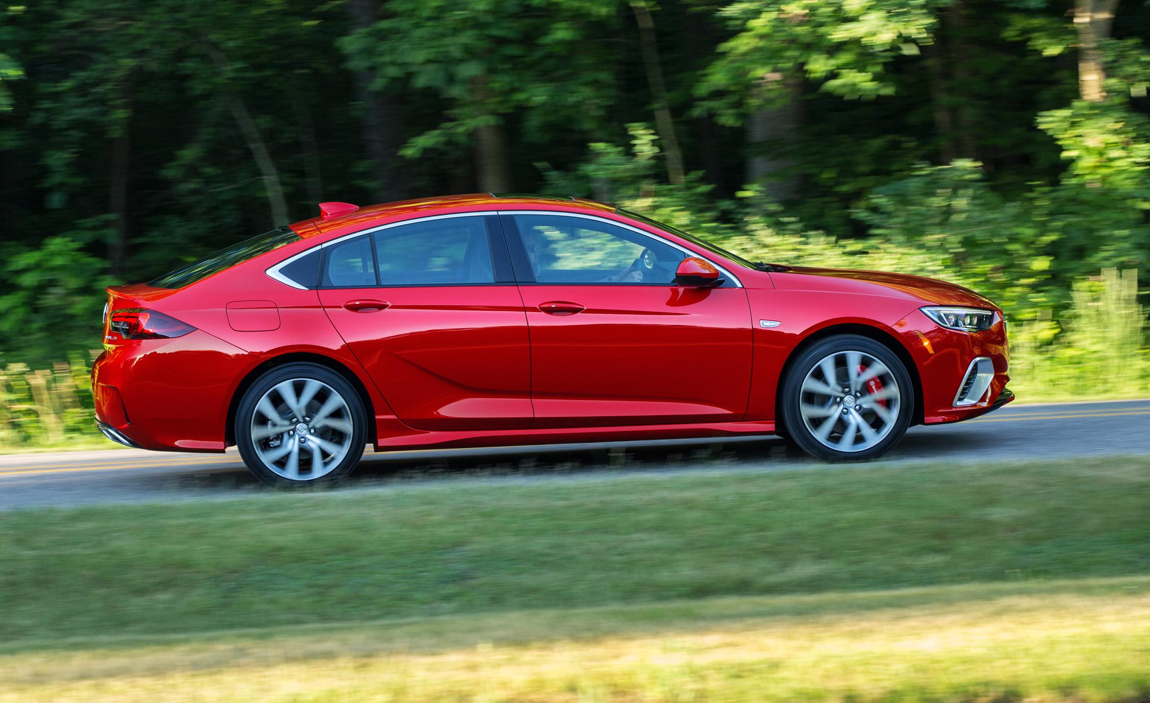 2018 Buick Regal GS: Gorgeous Sport
