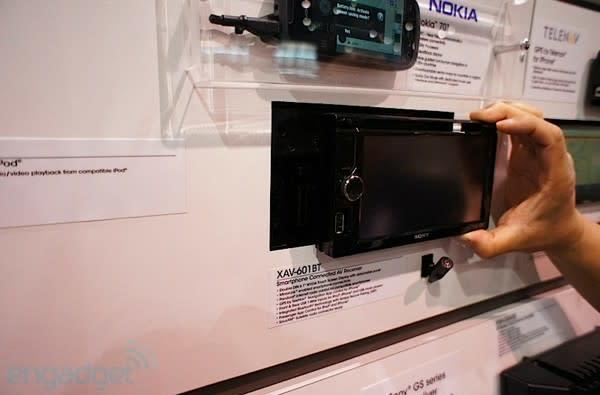 Sony's first smartphone-friendly MirrorLink in-car AV hits European roads, iOS and Symbian get to ride first