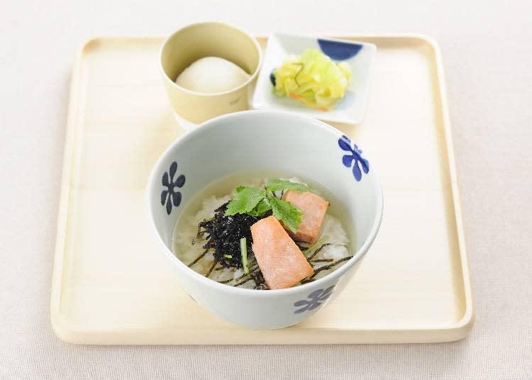 烤鮭魚芝麻昆布高湯茶泡飯 590日圓
