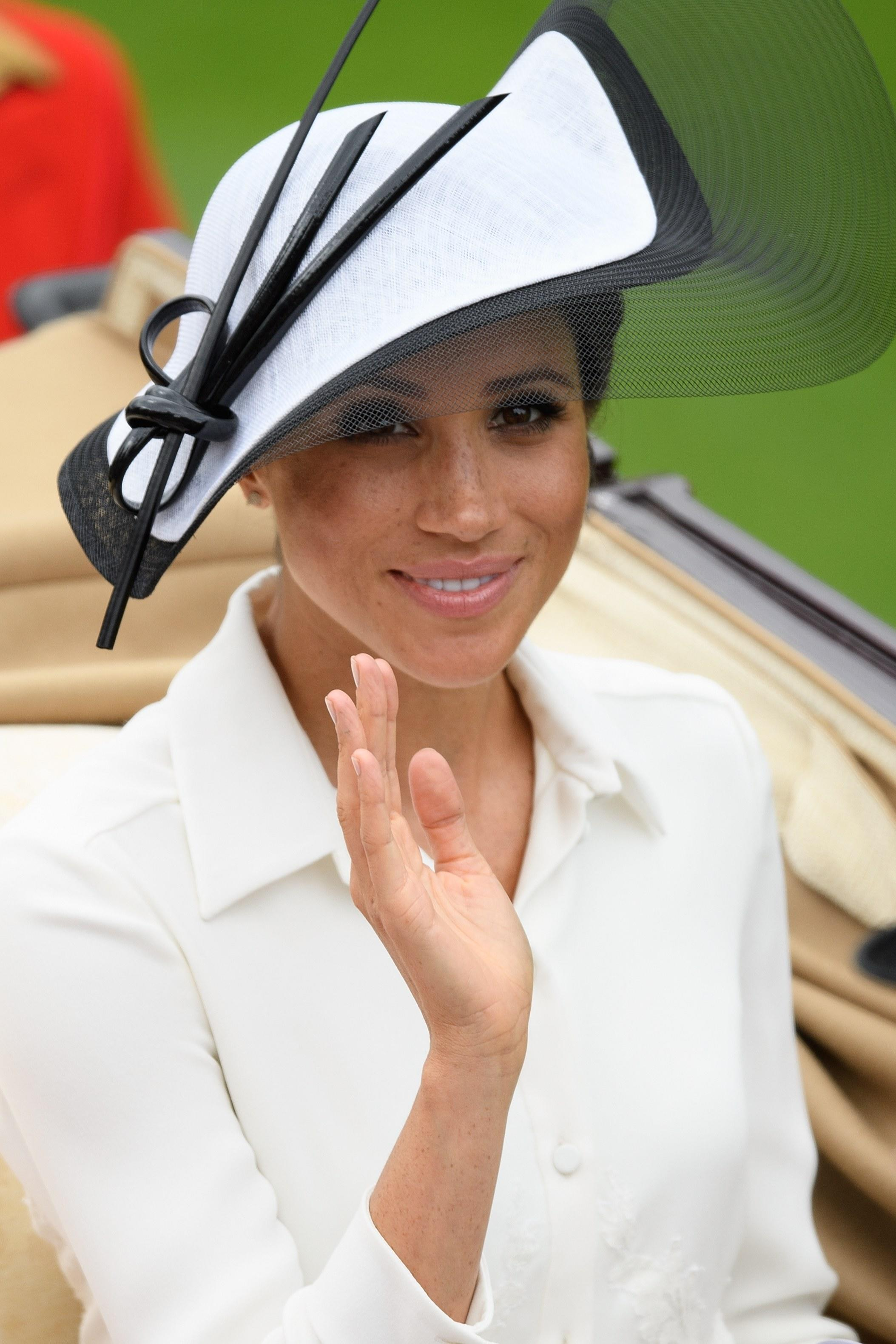 U Uu Uu >> The Best Hats From the 2018 Royal Ascot