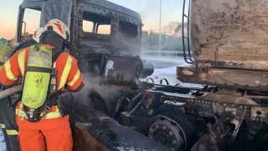 16歲女無照上國道 害化學車燒個精光