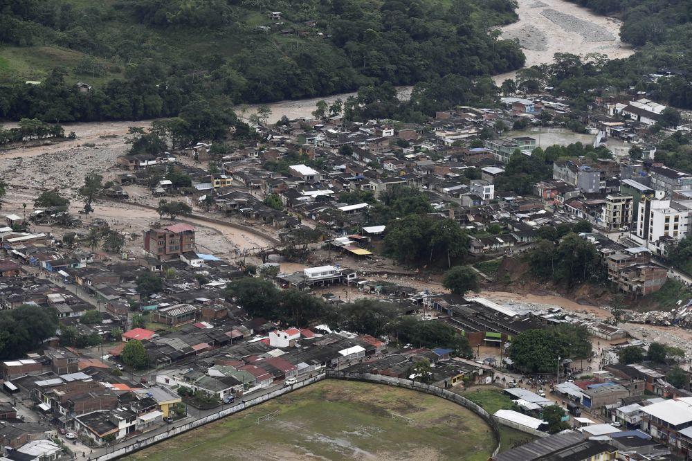 O presidente Juan Manuel Santos decretou estado de calamidade pública devido à tragédia natural em Mocoa, sul da Colômbia. (AP)