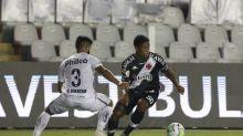 Titular contra o Santos, Juninho destaca união do elenco do Vasco: 'Estamos fechados com o Ramon'