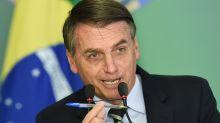 """Bolsonaro reprova fala de Mourão sobre compra de CoronaVac: """"A caneta é minha"""""""