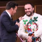 12 Days of Christmas Sweaters 2018: Day 5