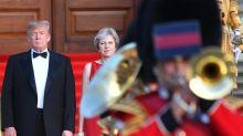 """Donald Trump enterre le projet de """"soft Brexit"""" de Theresa May"""