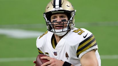 Brees gets defensive in face of troubling trend