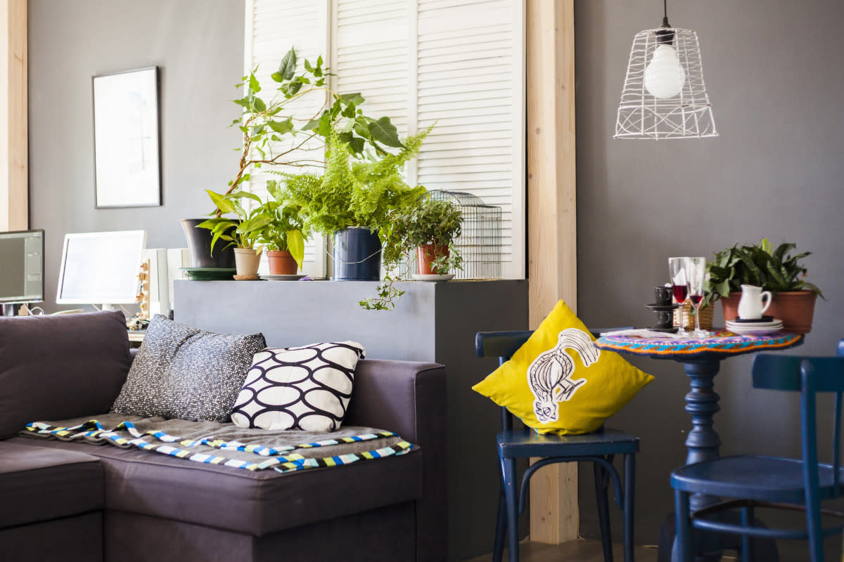 5 decor rules i was surprised to learn when i was hired for Home decorating guidelines