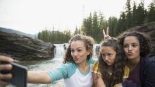 What's to blame for an increase in head lice? Selfies, study says