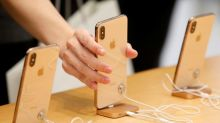 Apple loyalists prove physical stores not needed to drive iPhone sales: J.P. Morgan