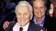 Kirk Douglas snobba il figlio Michael: tutta la sua fortuna in beneficenza
