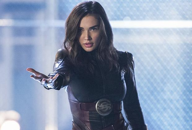 Supergirl's Amy Jackson Dismisses Drama Between Kara and ...