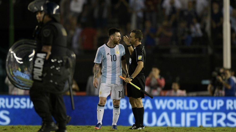 El informe de la polémica: ¿qué le dijo Messi a los árbitros?