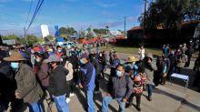 Tibia participación en Chile en el inicio de una elección crucial