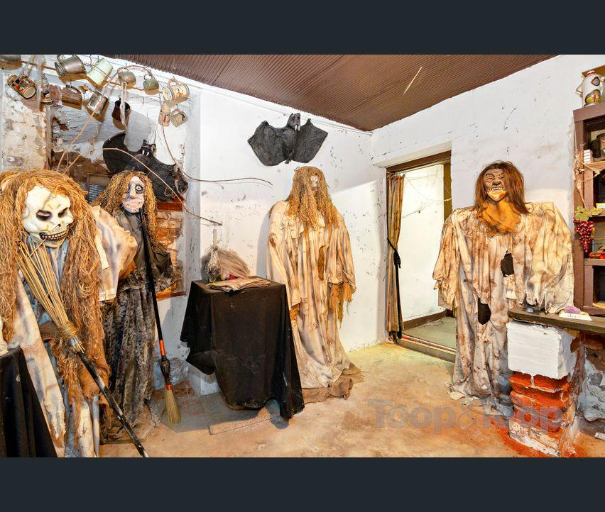 'Brave people only' to view this creepy house for sale
