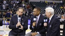 CBS broadcast finds hilarious solution for NCAA tournament audio issues (Video)