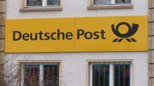 Deutsche Post Raises Outlook, Shares Gain About 3%