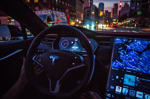 The Morning After: Tesla's Autopilot might be generous letting cars into your lane