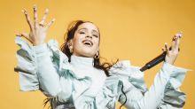 Las uñas de Rosalía vuelven a ser protagonistas en su último concierto en Madrid