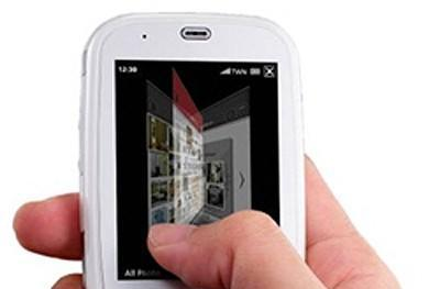 ASUS intros the P552w touchscreen phone