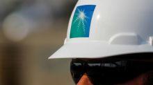 Suministro de crudo de Arabia Saudí toca récord pese a presión de EEUU