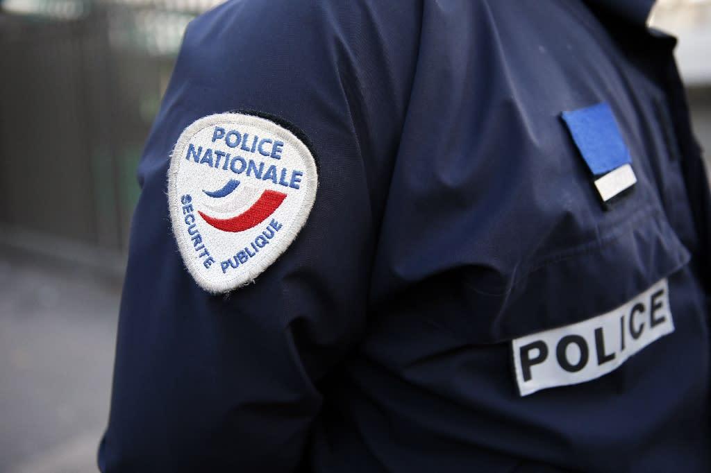 France arrests 10 over suspected plot targeting politicians