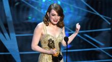 Oscars 2017: Emma Stone says she was holding Best Actress card 'that entire time' during Best Picture blunder