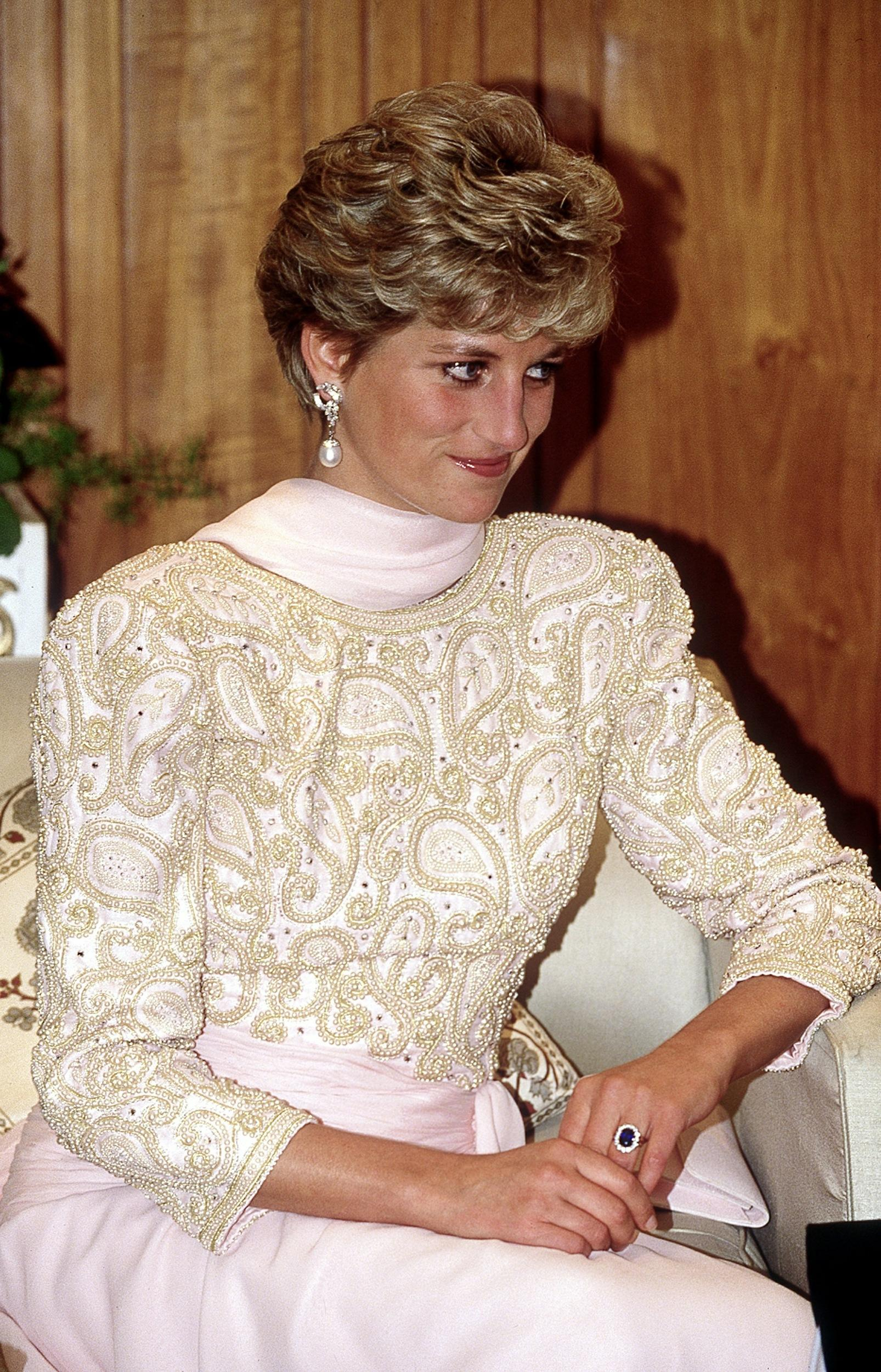 (FILE PHOTO) The Princess of Wales attends a dinner held by President Ghulam Ishaq Khan in Islamabad during her official visit to Pakistan, September 1991.