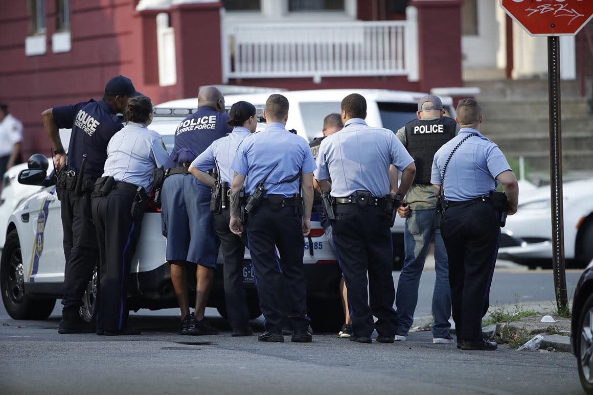 Gunman wounds 6 police officers in Philadelphia