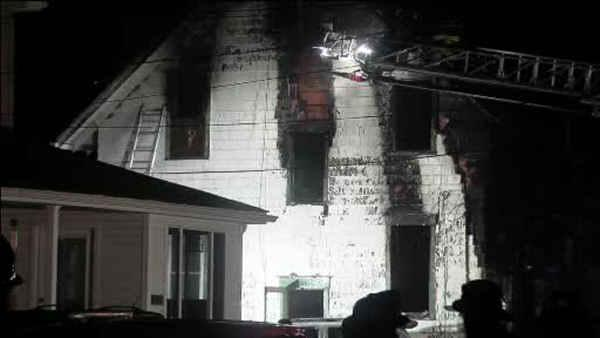 Firefighter, couple injured in fast-moving house fire in Swedesboro