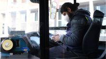 Mortes de motoristas de ônibus por coronavirus expõem riscos dos trabalhadores essenciais sem proteção