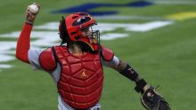 There are holes in Yadier Molina's conspiracy theory that MLB stopped his NL-record 10th Gold Glove