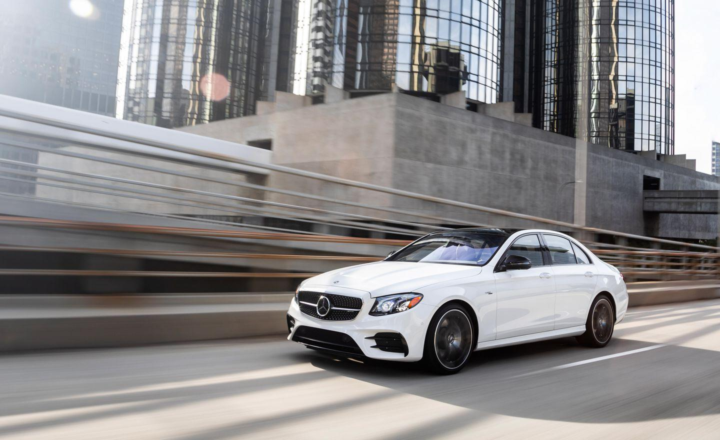 <p>All of the E53 models come with a reasonably comprehensive level of standard equipment and a host of AMG signature touches to differentiate them from plebian E-class models. </p>