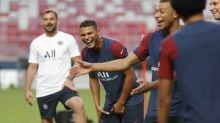 Foot - ANG - Chelsea - Compositions:ThiagoSilva capitaine de Chelsea, Kepa Arrizabalaga sur le banc