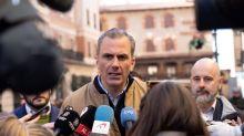 """Ortega Smith ve """"una burla"""" y un """"desprecio"""" que Sánchez se reúna con Torra"""