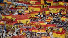 Los aficionados del Real Madrid responden a los separatistas catalanes