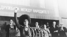 Mujeres reivindican el poder del cabello afro en el trabajo