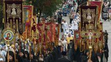 Ukraine votes to hand landmark Kiev church to Constantinople