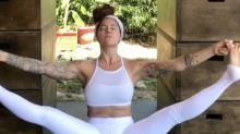People are losing it over this yogi bleeding through her white yoga leggings