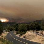 Two firefighters hurt battling fierce Yosemite blaze