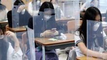 FOTOS   Los estudiantes de Corea del Sur vuelven a las aulas bajo medidas de seguridad estrictas