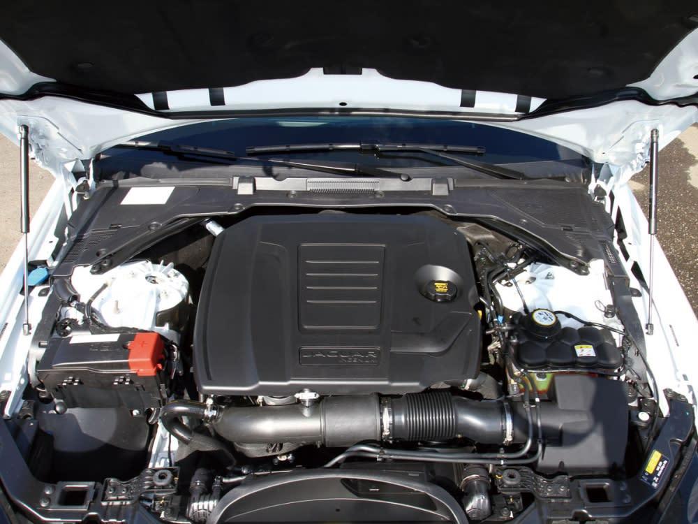 2.0升Ingenium渦輪引擎,可輸出250hp/37.24kgm。